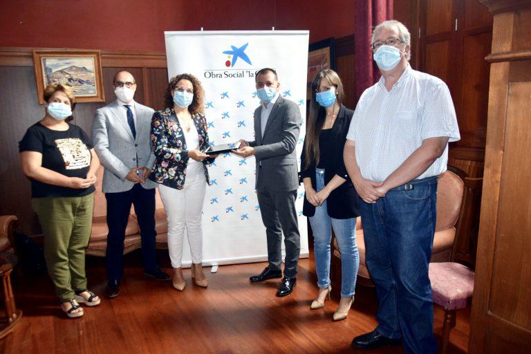 Fundación La Caixa colabora con el Ayuntamiento de Gáldar en el refuerzo educativo telemático del alumnado