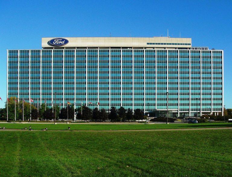 Jim Farley inicia su nueva etapa en Ford y nombra a John Lawler nuevo director