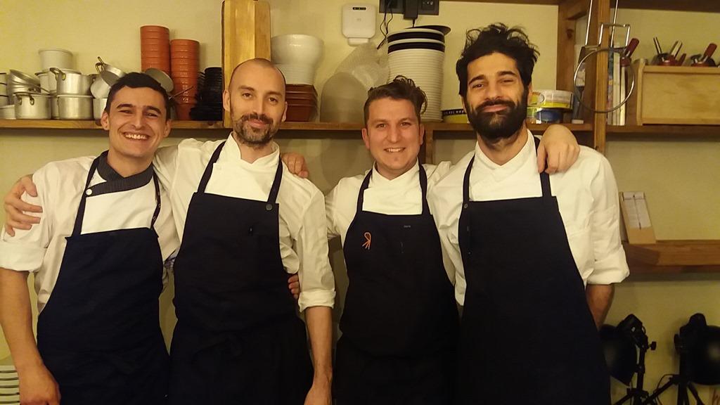 El equipo del chef Matteo Bertozzi