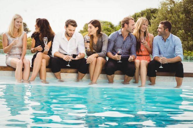 Airbnb apuesta por prevenir fiestas no autorizadas y malas conductas en España