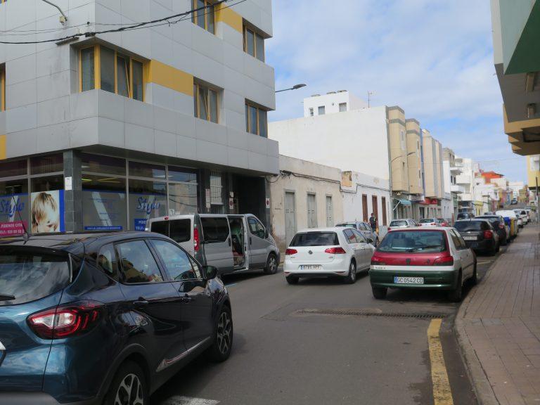 Prohibido estacionar en algunas calles del barrio de La Atalaya de Guía desde el viernes pasado