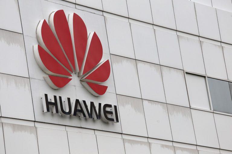 Estados Unidos intensifica las presiones sobre el gigante chino Huawei y añade a la lista negra a otras filiales de la compañía