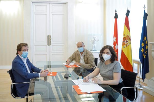 """Viceconsejero Antonio Zapatero dice que la manifestación sin mascarillas faciales """"traerá contagios y algún muerto"""""""