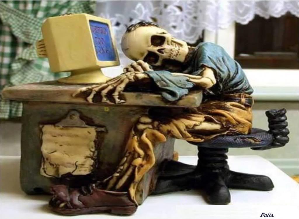 Cómo cavar tu propia tumba en redes sociales antes de irte al otro barrio