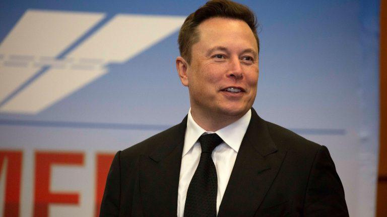 """Así es Neuralink, el chip cerebral de Elon Musk para conseguir """"una telepatía conceptual"""""""