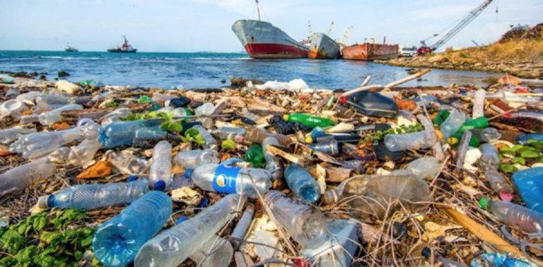 Se investiga el riesgo de enfermedades derivado de los plásticos de los océanos
