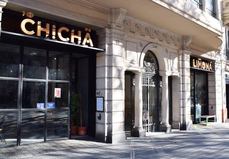 Descubrimos el Chicha Limona de Barcelona, un restaurante que te recordará a un concesionario de coche