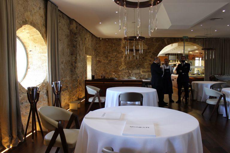 Restaurante Aponiente, ejemplo de responsabilidad: cierra por 3 positivos en su plantilla