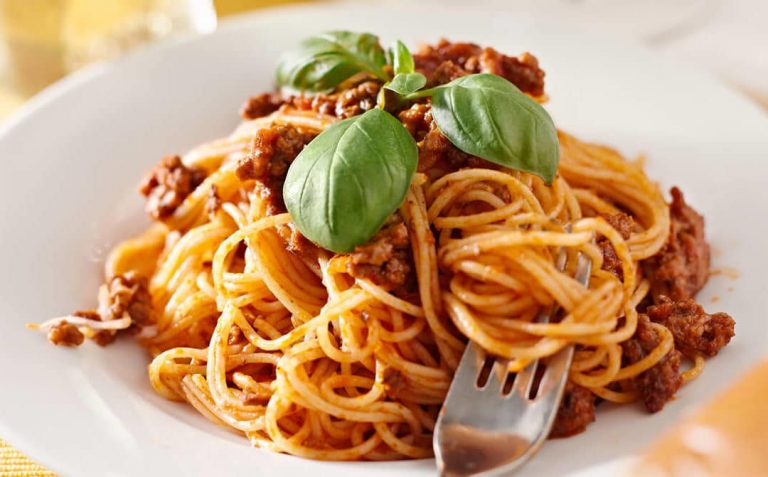 Cómo preparar paso a paso unos espaguetis a la boloñesa