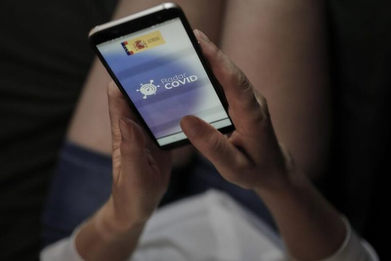 Trabajadores sociales se ofrecen para participar en las labores de rastreo