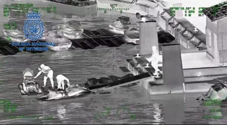 Desarticulado en Marbella un grupo que usaba motos de agua para traficar con hachís
