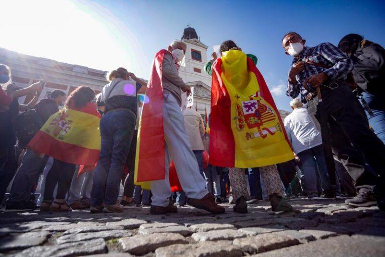"""El PP pide promover la presencia de símbolos para fomentar el """"patriotismo"""" y la unidad de España"""