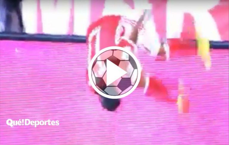 Así se festeja un gol saltando 360º ¡Y no se mata!