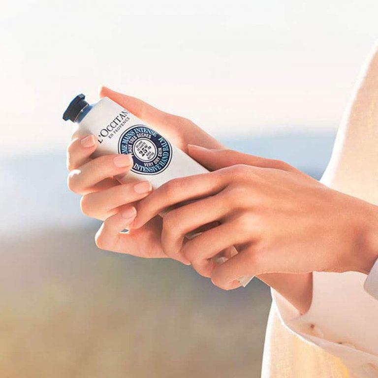 Cremas hidratantes ideales para que tus manos no se despellejen