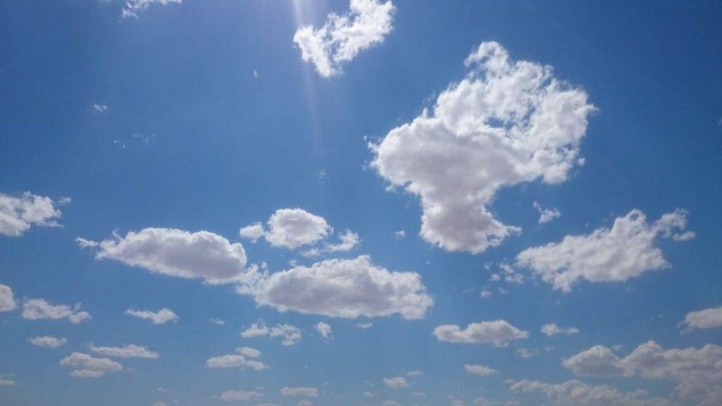 Cielos poco nubosos o despejados este domingo en gran parte del país