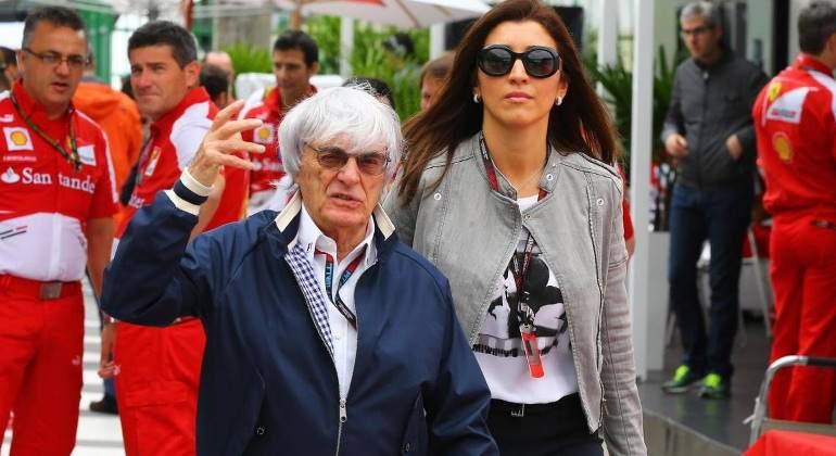 Bernie Ecclestone con su esposa