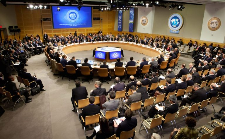 El FMI aprueba una ampliación de la Línea de Crédito Flexible de Colombia