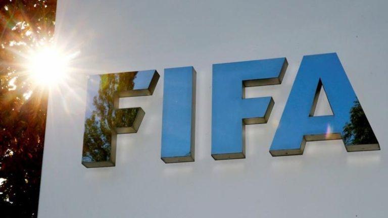 Duras críticas de los jugadores a la FIFA que tambalea todo el fútbol