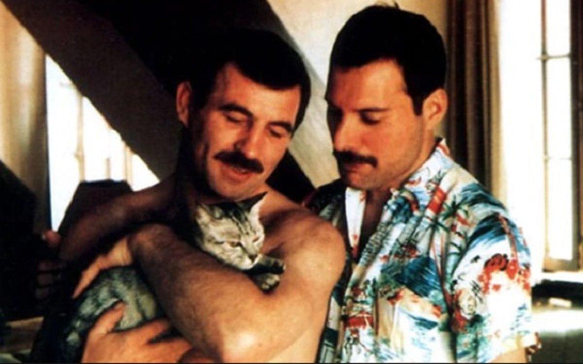 La historia de Freddie Mercury al margen