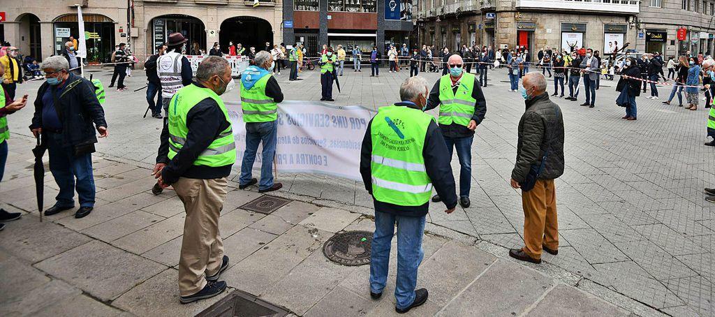 Una movilización en Vigo recuerda a las víctimas de las residencias de Galicia