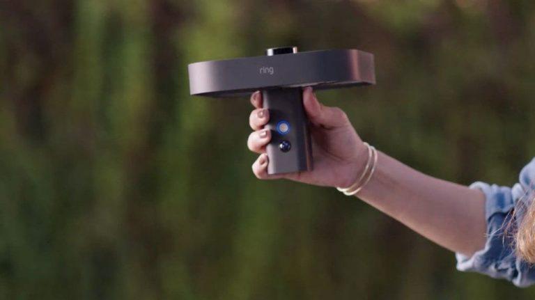 Amazon presenta un dron con cámara que vigila tu casa cuando estás fuera