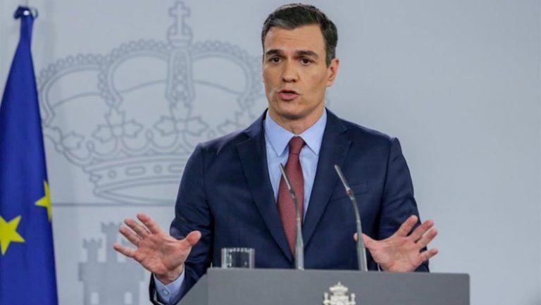 """Sánchez admite que el PIB caerá """"al menos"""" un 10% este año y espera aprobar los PGE"""