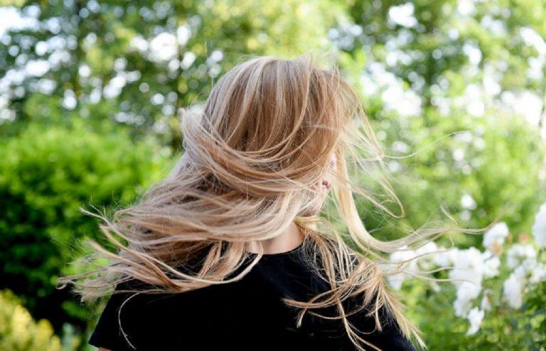Por qué se te cae más el pelo en septiembre y qué hacer para evitarlo