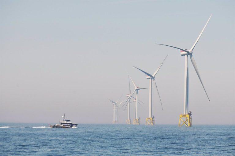 Iberdrola cierra las contrataciones para su primer proyecto eólico marino en el canal de La Mancha