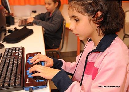Maestros específicos para reforzar el regreso a las aulas de los niños ciegos