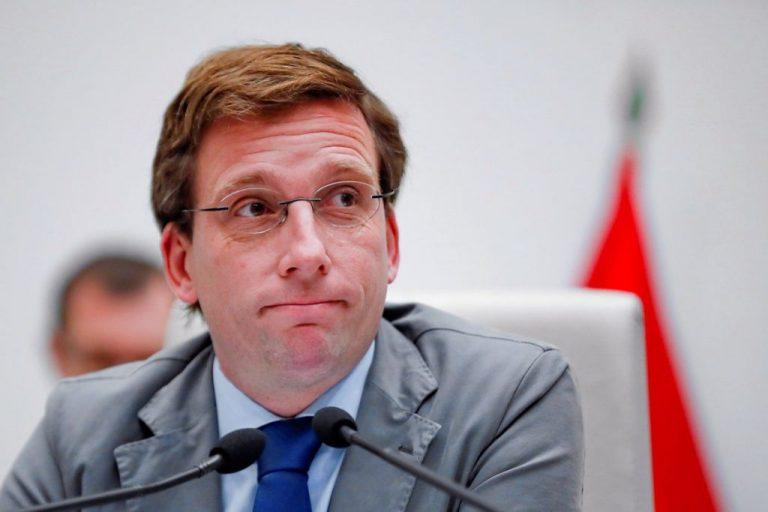 Almeida señala a Sánchez como responsable del ataque a la monarquía