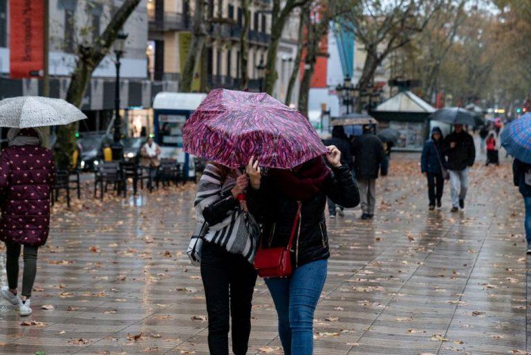 """Una borrasca """"inusual"""" dejará lluvias abundantes y las temperaturas bajarán"""