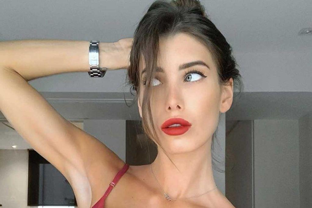 Marta López completamente bella