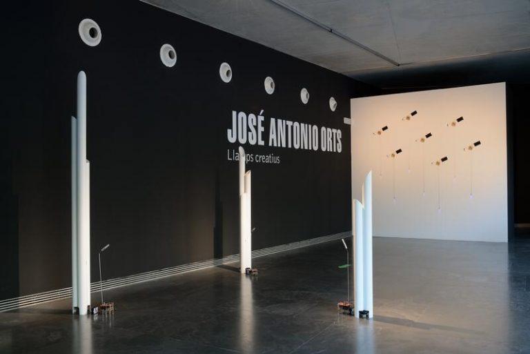 El arte sonoro de Orts llena el MuvIM con 12 de sus obras más representativas