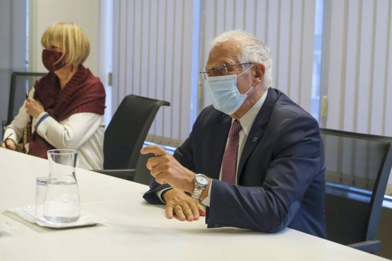 La Eurocámara demanda a Borrell una mayor presencia de mujeres en la política exterior de la UE