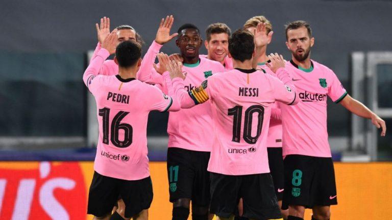 El Barcelona perdona a un Alavés con diez