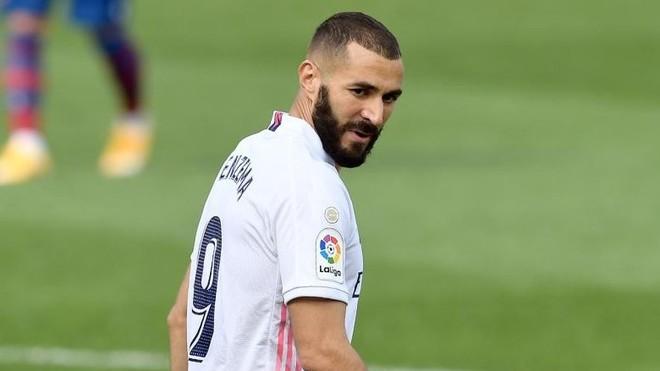 El Real Madrid alarmado por la mediocre temporada de Karim Benzema