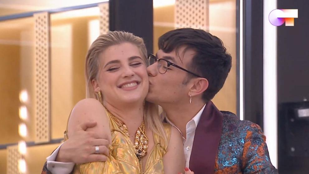 Flavio y Samantha querían algo más que amistad