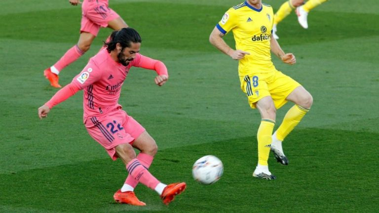Da igual que juegue mal: así defiende Zidane a Isco