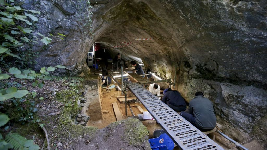 Cova Eirós (Lugo) fue utilizada por los neandertales como campamento de caza