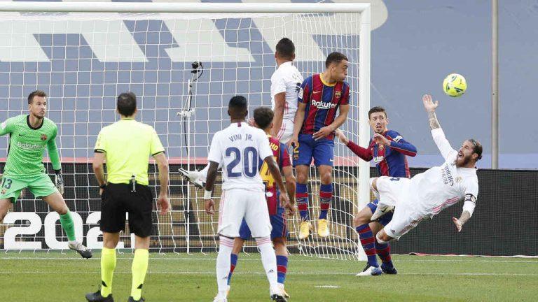 ¿Hubo penalti a Ramos? Estas son las dos versiones