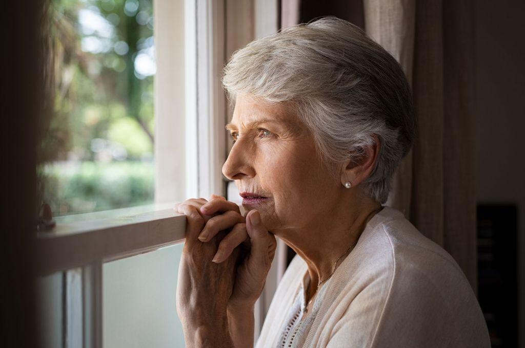 Un estudio muestra que la actividad social puede reducir el riesgo de demencia en las personas mayores