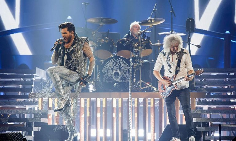 "Queen y Adam Lambert publican ""Live Around the World"""