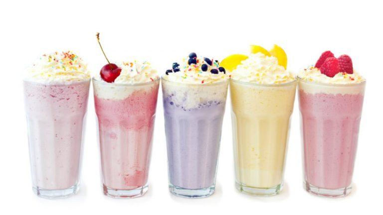 Cómo hacer un batido de fruta y leche que quede cremoso