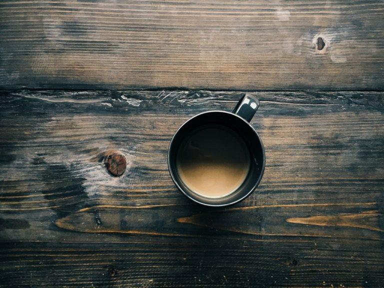 Ni café ni té: Esto es lo primero que deberías beber por la mañana