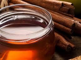 Por qué deberías incluir la miel y la canela en tu dieta