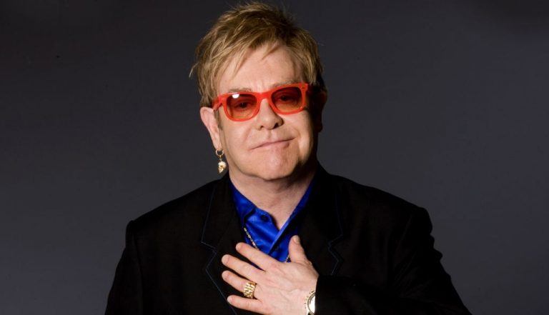 "Elton John edita ""Jewel Box"""