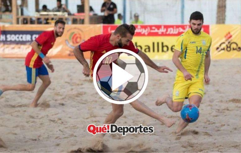 #GolazoDelDía Espectacular gol en futbol playa por sobre el portero