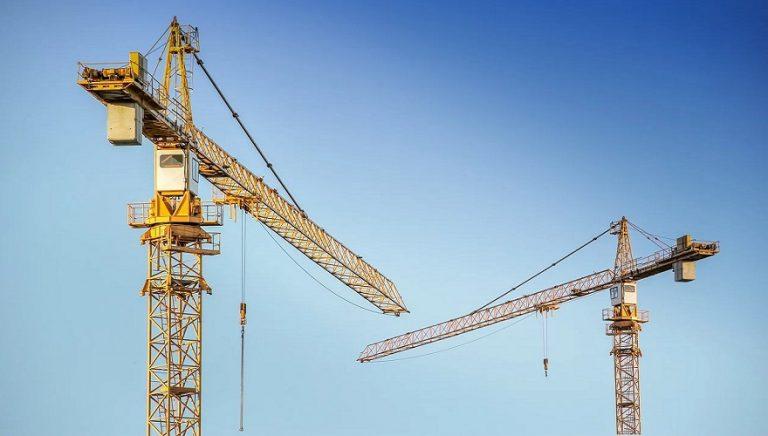 Los sistemas de elevación de cargas más habituales en el ámbito de la construcción