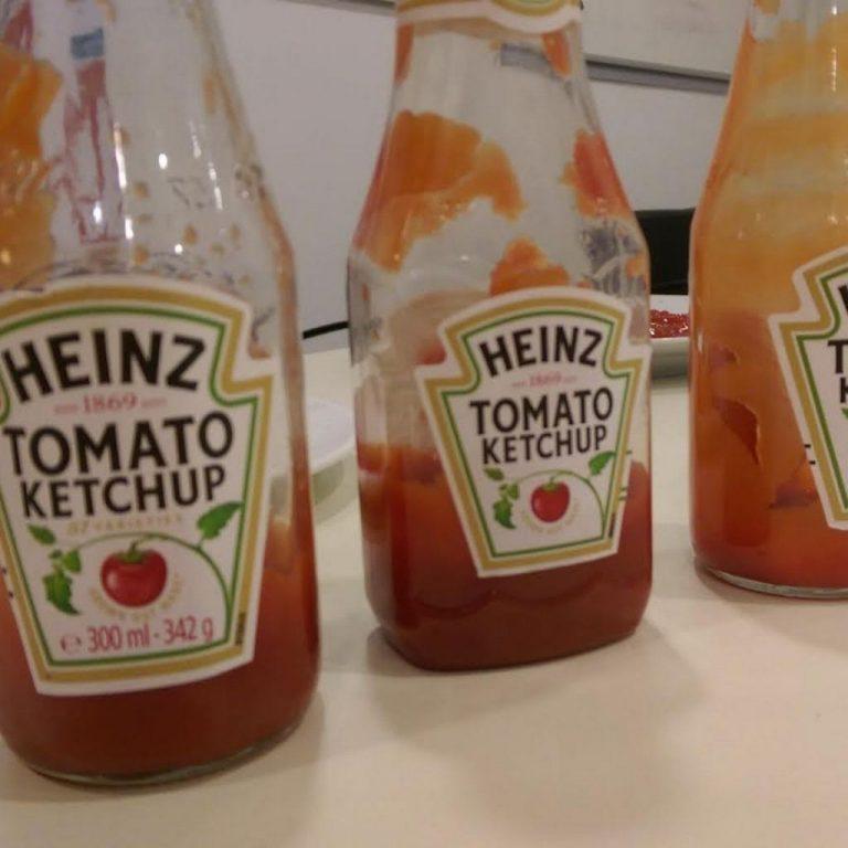 Este es el secreto de las botellas de kétchup Heinz que no conoces