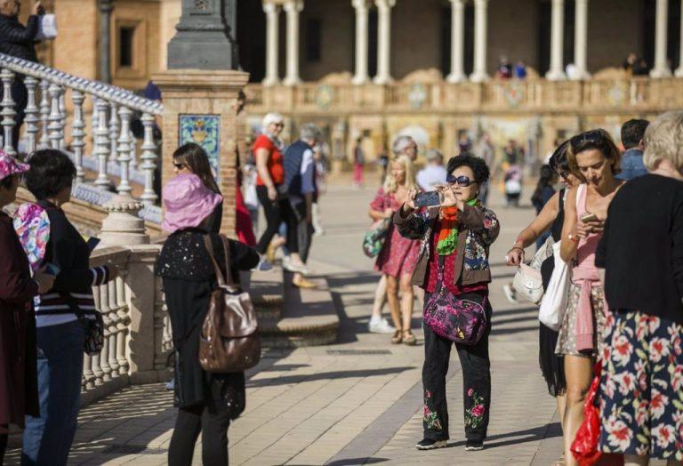La llegada de turistas internacionales se desploma un 75,9% en agosto